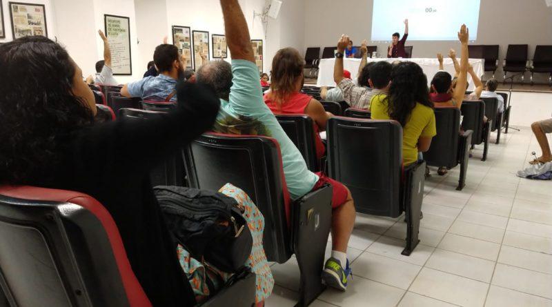 Professores aprovam adesão à paralisação nacional pela educação. Foto: Adaíra Sene/Adufepe